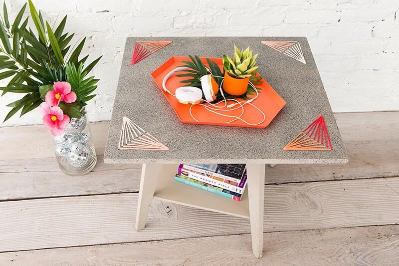 Как обновить стол своими руками?