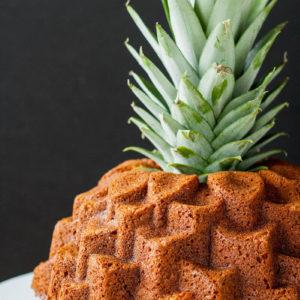 Как украсить торт ананасом? Украшение торта ананасами