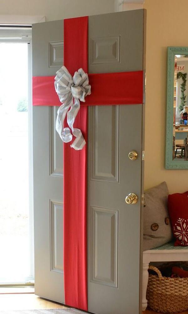 Украсить дверь класса к новому году