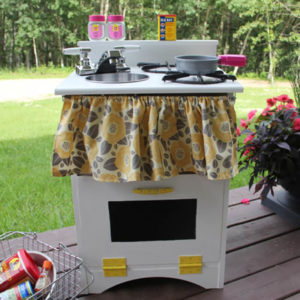 Детская кухня для девочек. Детская кухня своими руками