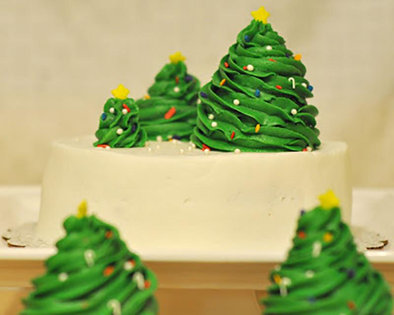 вставляем торт из мастики елка фото хранит тепло