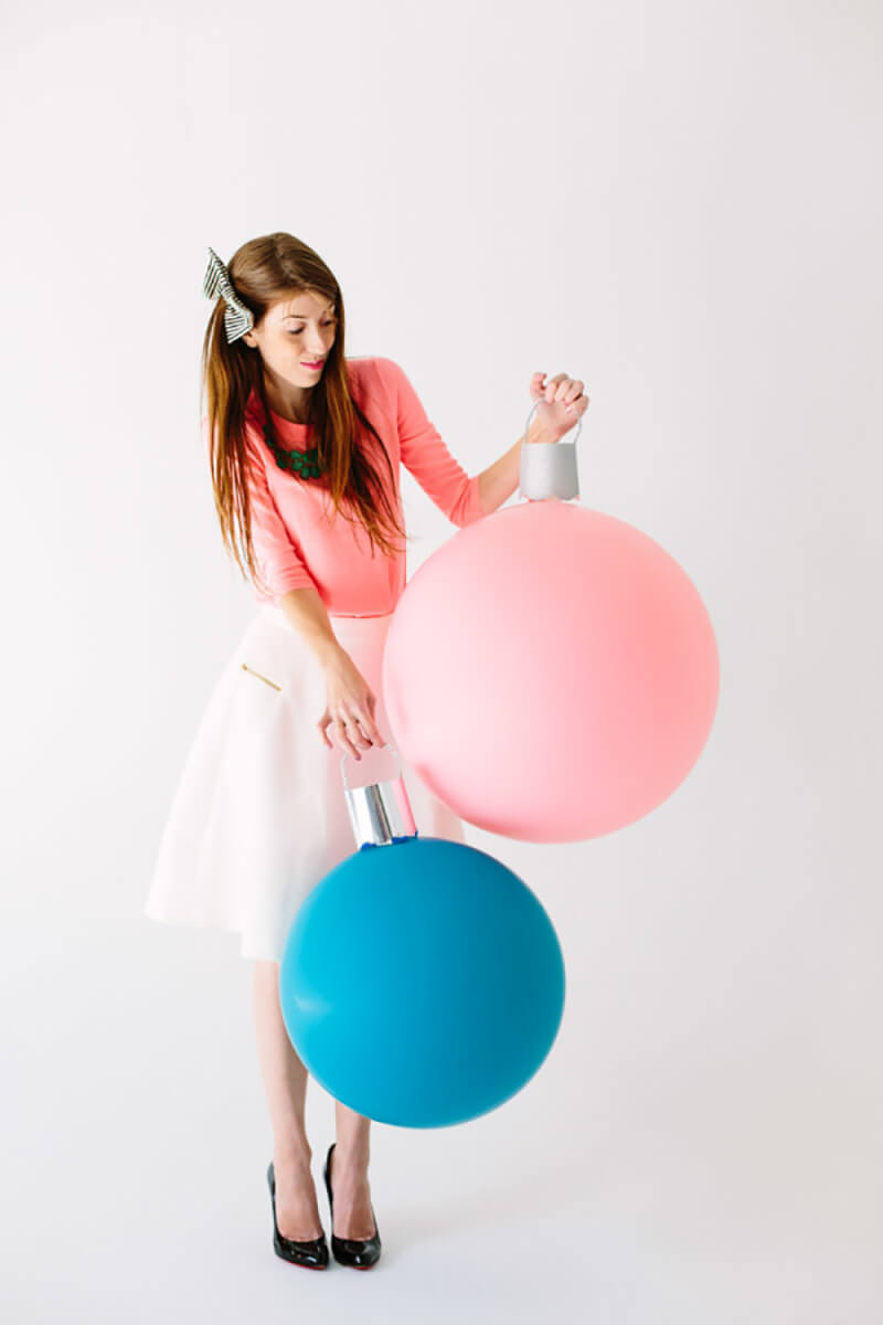 Как украсить дом к Новому году воздушными шарами?