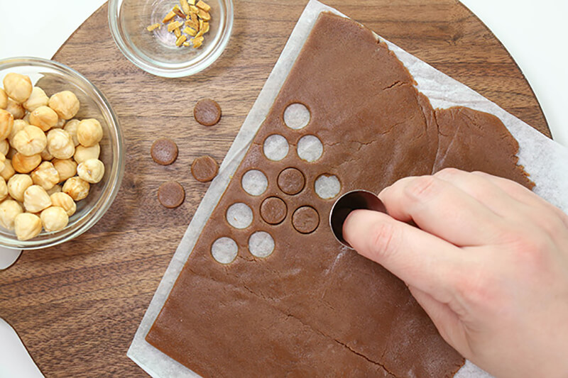 Как украсить торт в домашних условиях? Весенний торт своими руками