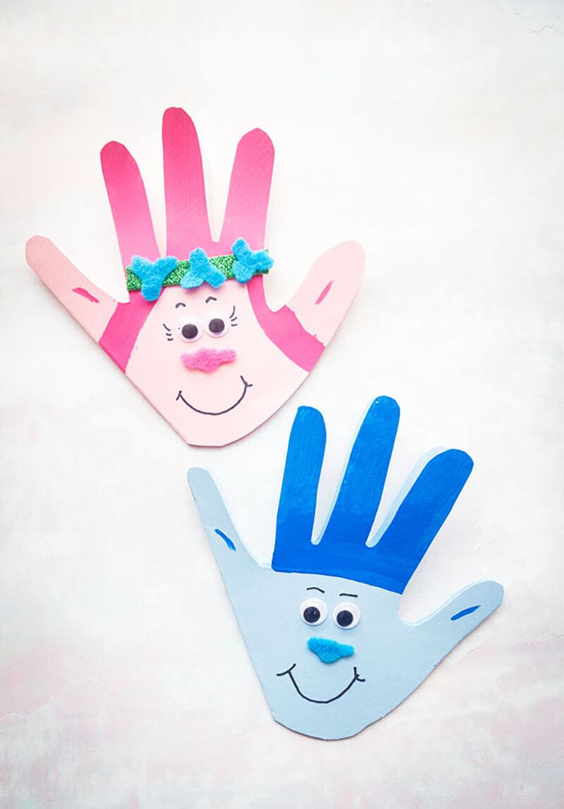 Поделки из ладошек: тролли (Принцесса Розочка и Цветан) своими руками
