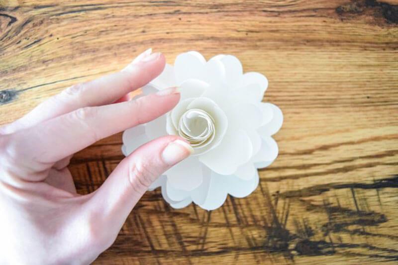 Гирлянда из цветов. Цветочная гирлянда из бумаги своими руками