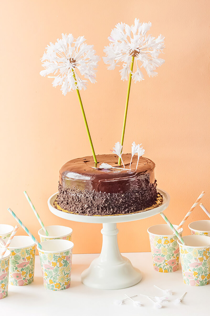 Торт Одуванчик. Как украсить торт одуванчиками?