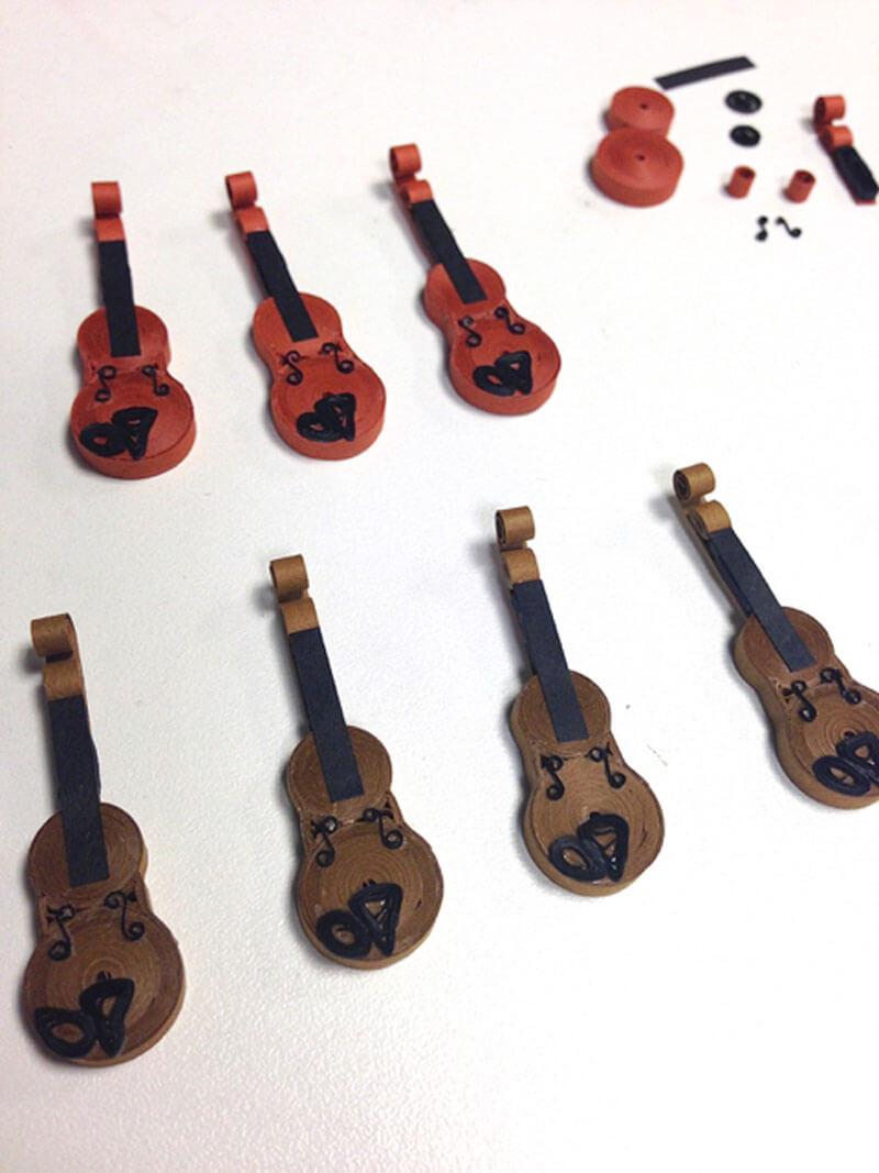 Скрипка в технике квиллинг своими руками