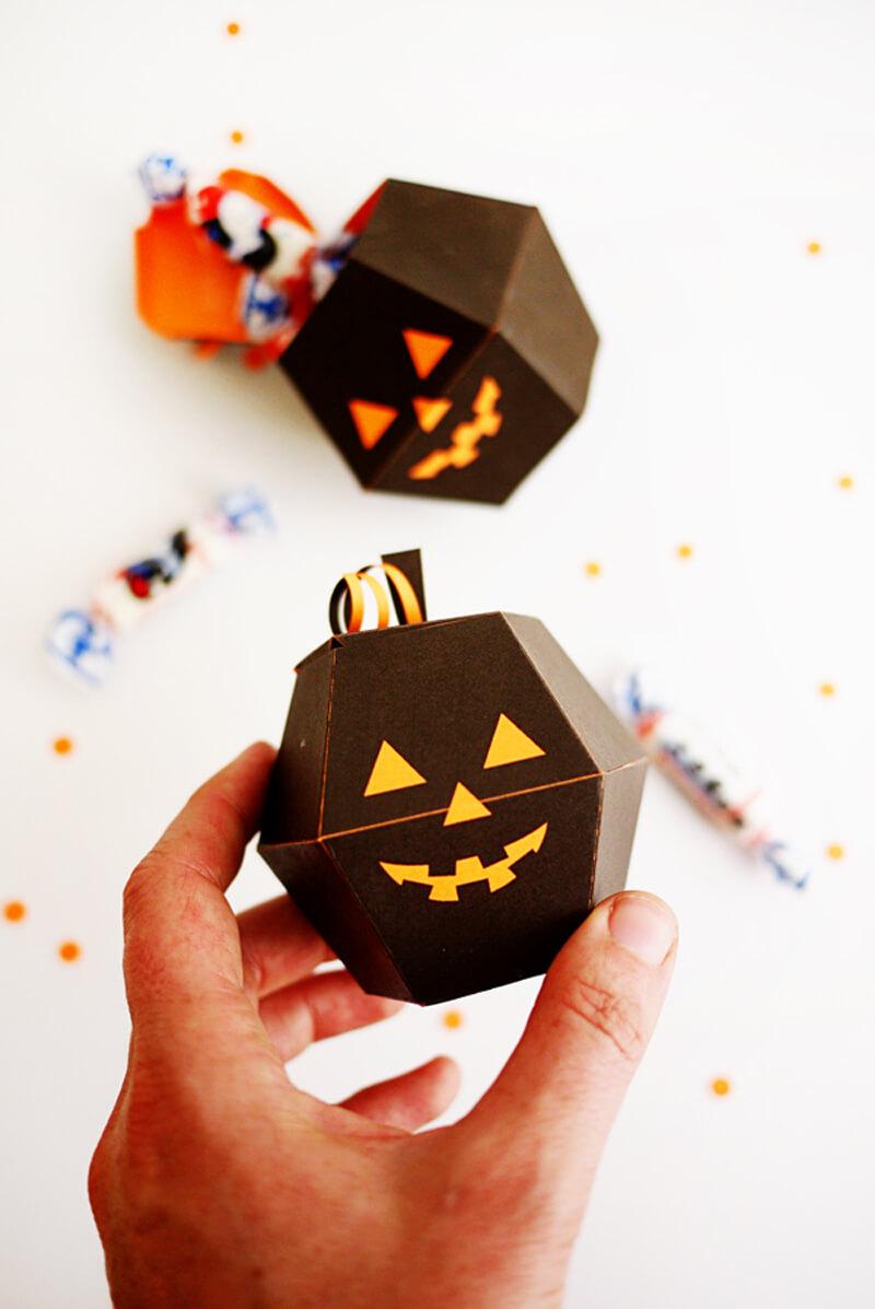 Как упаковать конфеты? Как упаковать конфеты красиво на Хэллоуин?