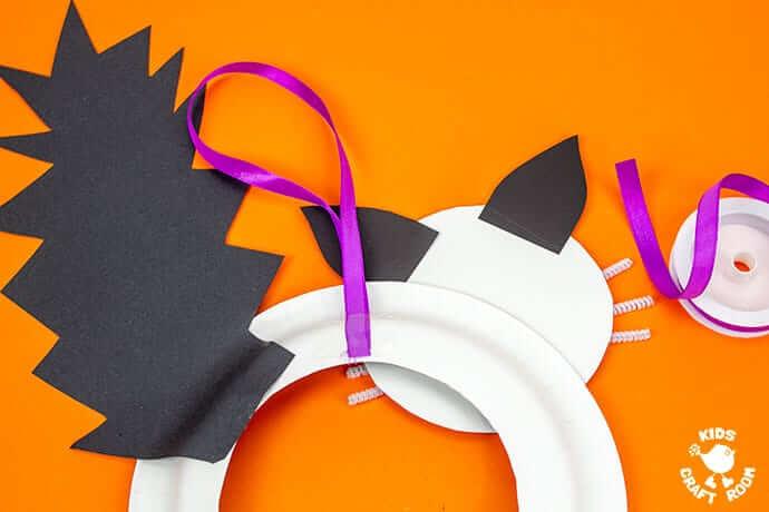Поделки на Хэллоуин своими руками для детей из одноразовых тарелок
