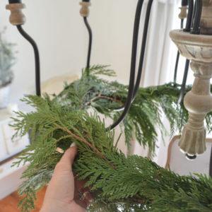 Как украсить люстру к Новому году своими руками
