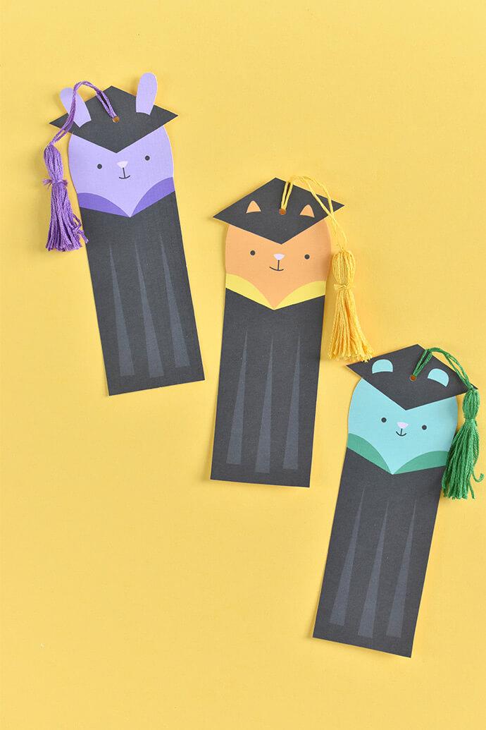 Подарки выпускникам своими руками. Закладка для книг своими руками