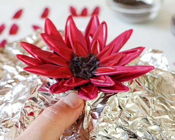 Торт с цветком. Как украсить торт цветами?