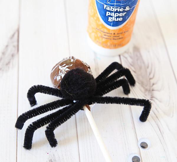 Подарки на Хэллоуин своими руками из конфет