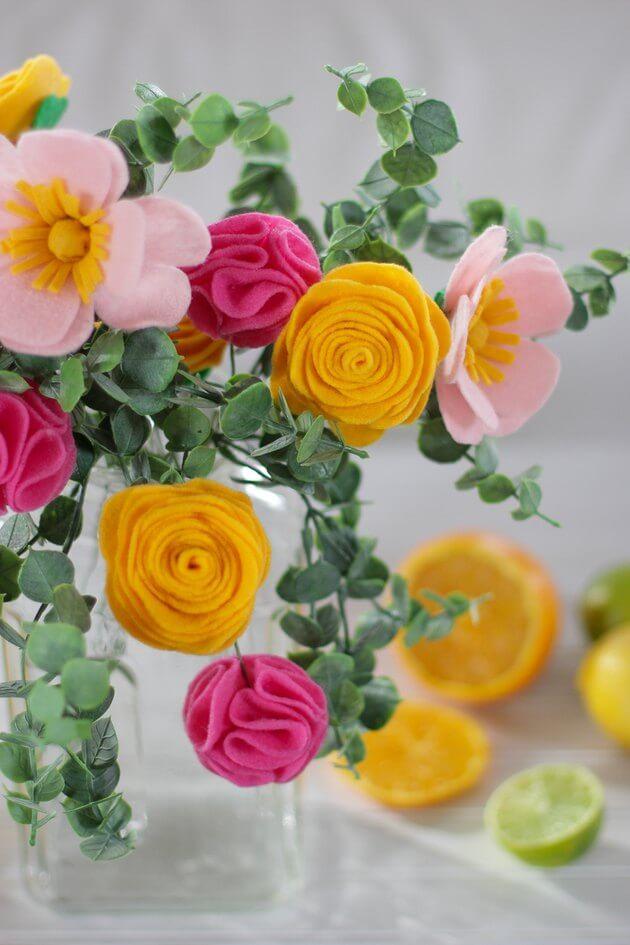 Цветы из фетра своими руками. Как сделать цветы для букета из фетра?