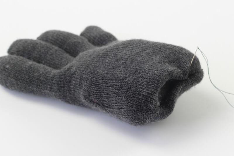 Поделки из носков и перчаток своими руками для начинающих
